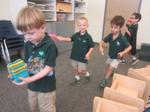 Armadillos Instrument Play